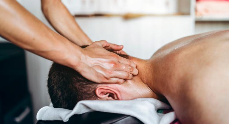 La masoterapia es un conjunto de técnicas manuales empleadas para rehabilitar lesiones.
